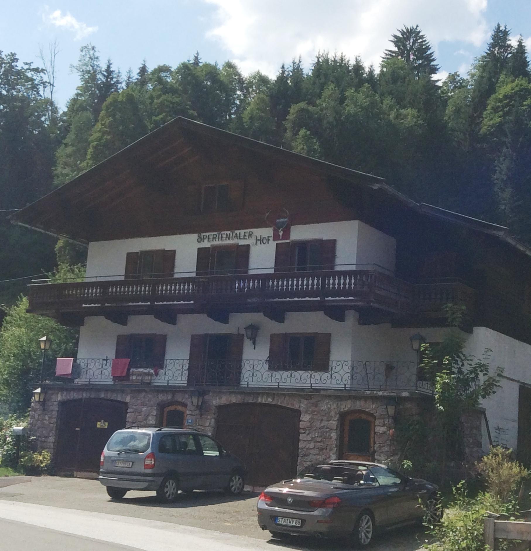 Landhaus in Kirchberg, Strassenansicht