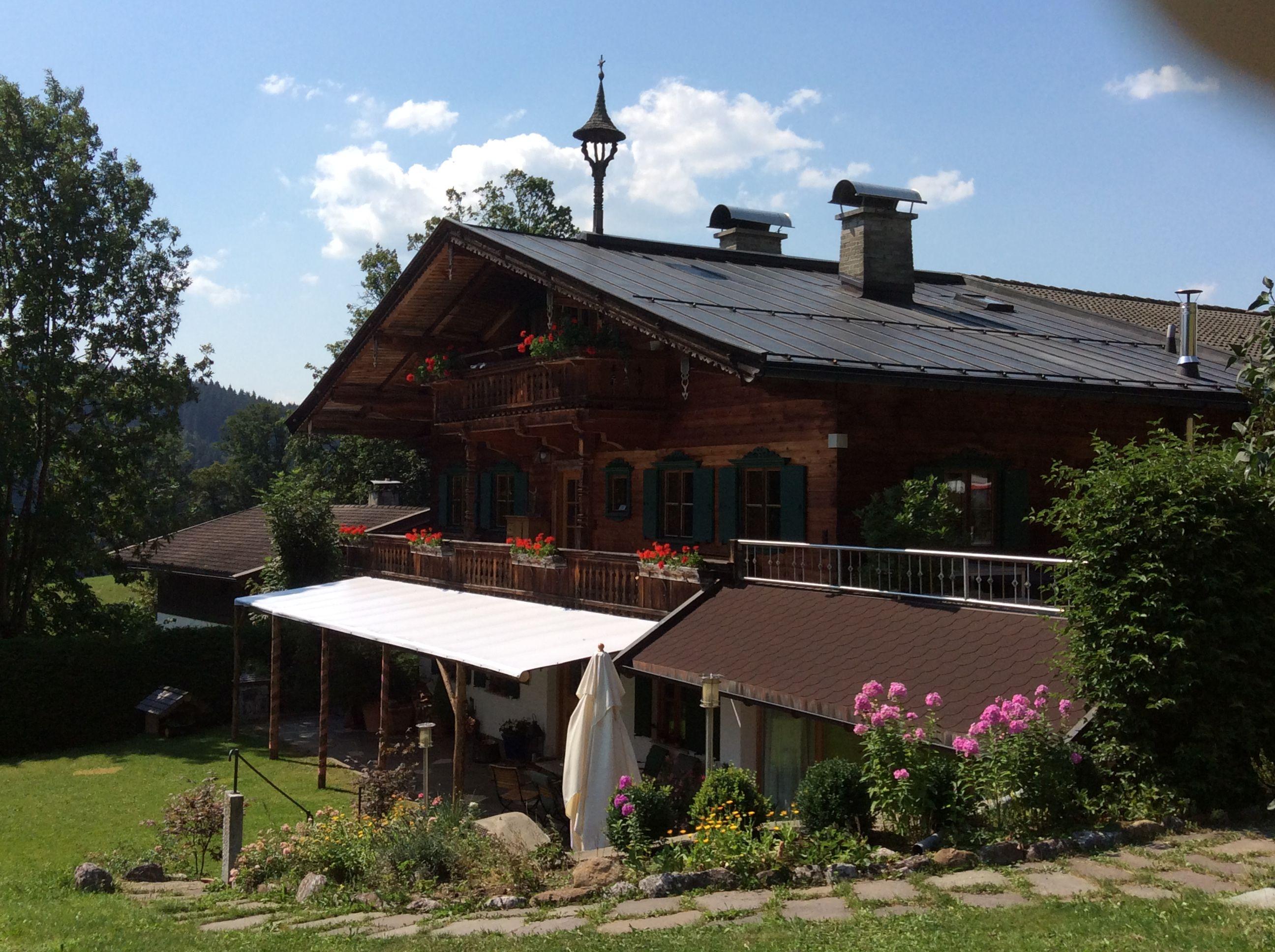 Südansicht des Baiernhauses in Kitzbühel