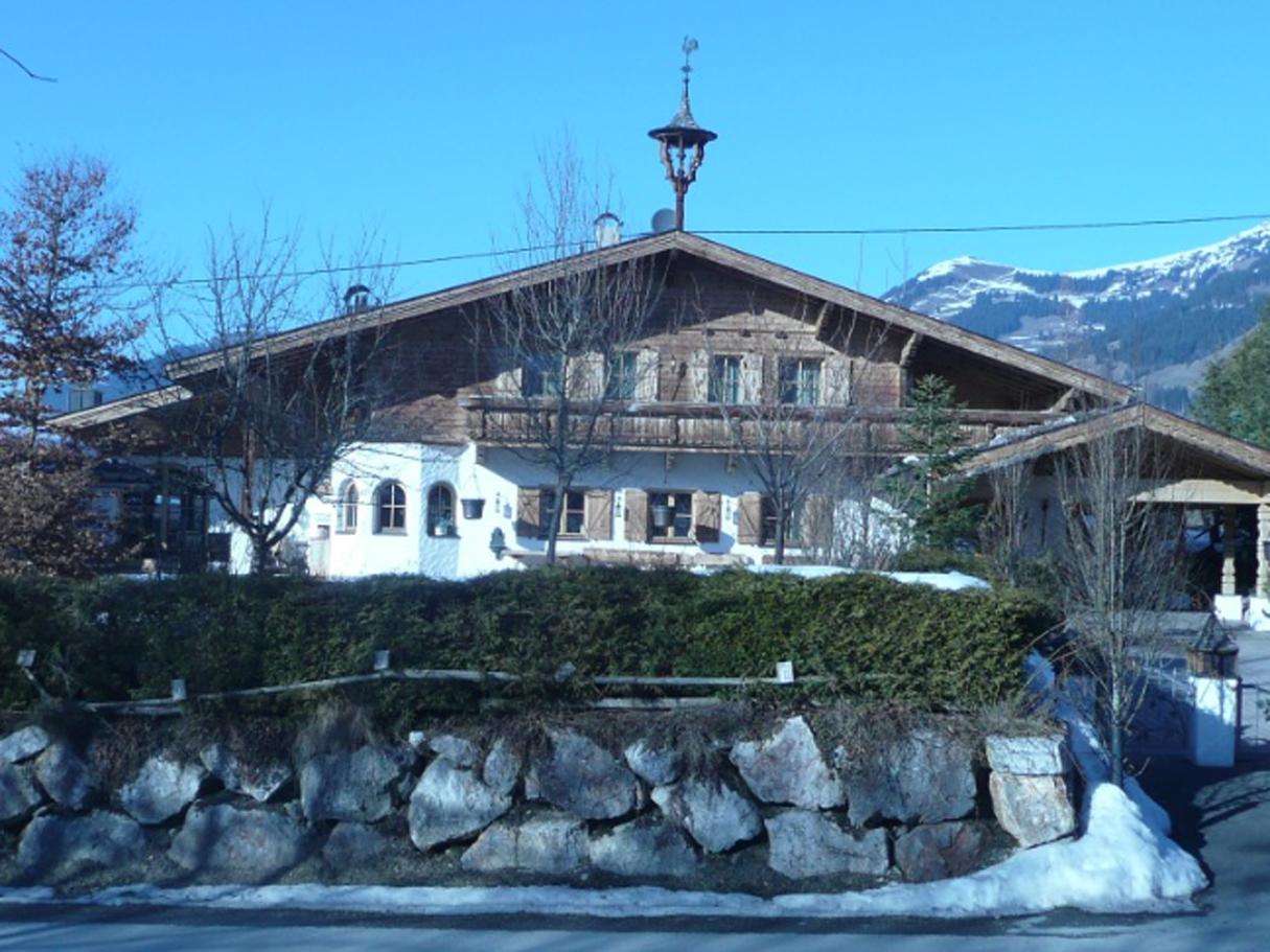 Aurach bei Kitzbühel. Landhaus in ruhiger Lage